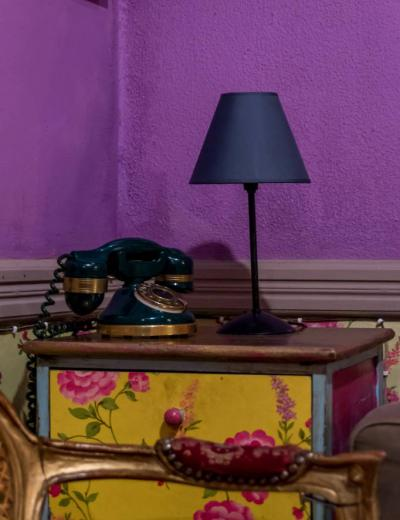 Lamp-purple-room